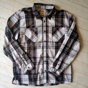 Men's Levi's Plaid long sleeve button up shirt